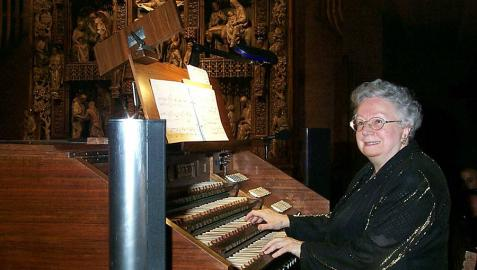 Montserrat Torrent, organista