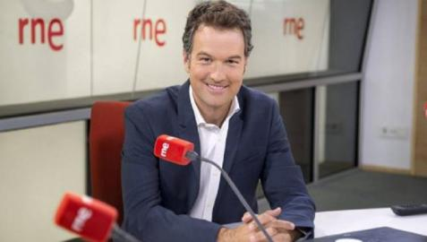 Periodista Íñigo Alonso