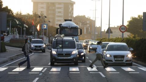 Los nuevos pasos peatonales ayudan al necesario calmado de tráfico en ciudad