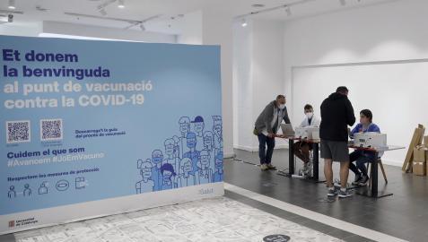 Punto de vacunación sin cita previa en el centro comercial de Glòries en Barcelona
